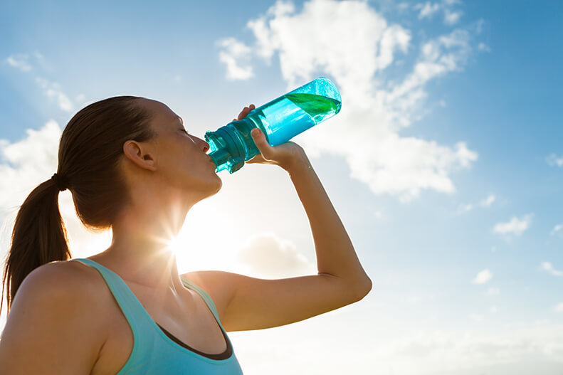 A Guide To Staying Hydrated While Training